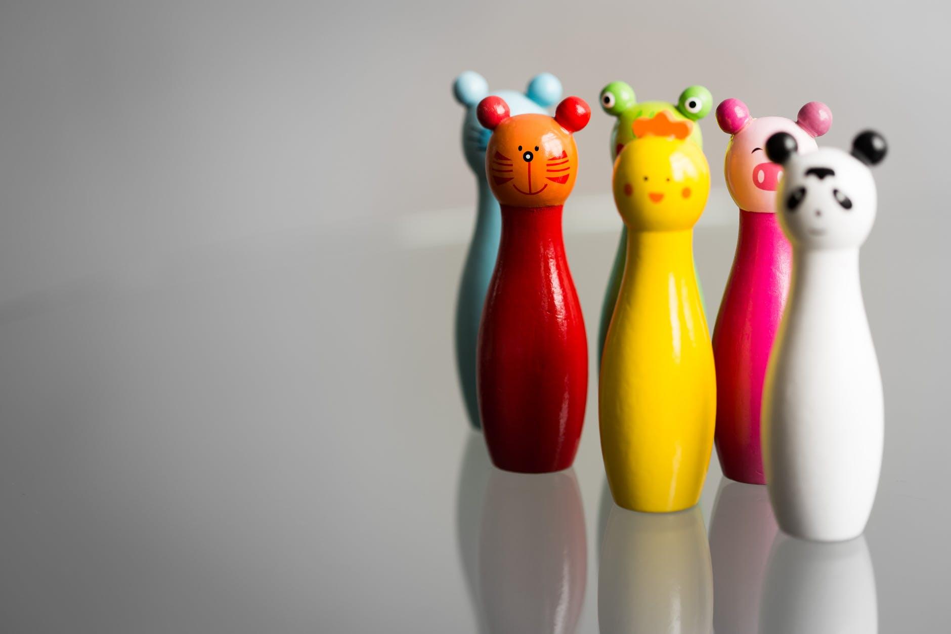 Jouets en bois pour les enfants en forme d'animaux